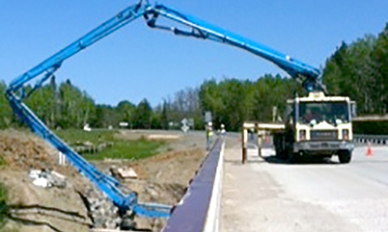 Lakes concrete 32 meter pump truck in action